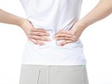 坐久了腰痛腿麻?当心被「坐骨神经痛」盯上!1个动作帮你自测